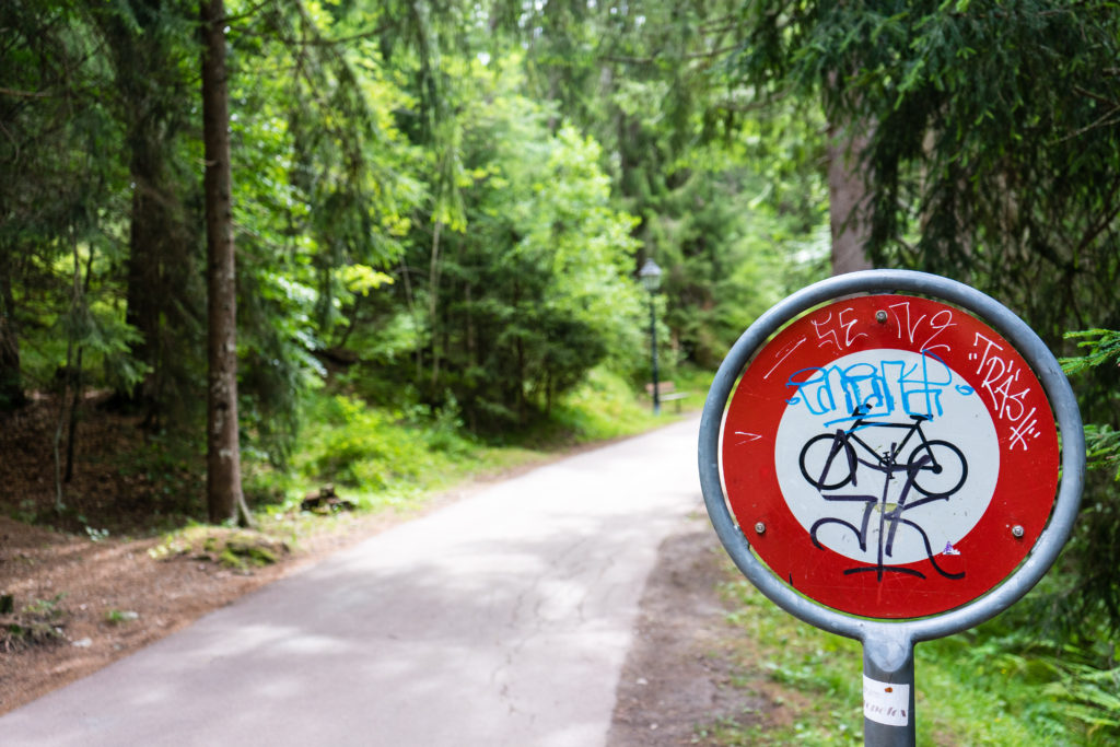 ClearShield Ant-Graffit used on bike path sign